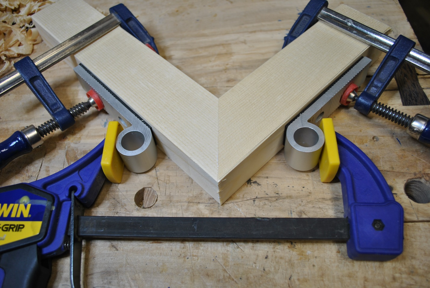 Miter Joint square shape symmetry